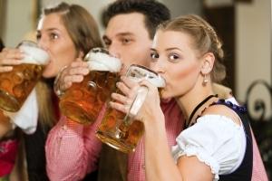 Alkohol am Steuer in der Probezeit wird hart bestraft.