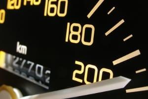Eine MPU kann auch drohen, wenn Ihr Punktekonto aufgrund überhöhter Geschwindigkeit erschöpft ist. Ein Verkehrspsychologe in Köln weiß, was zu tun ist.