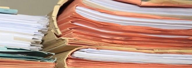 Akteneinsicht beantragen? Ein Antrag kann persönlich oder per Anwalt eingereicht werden.