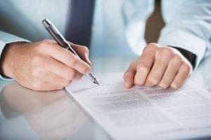 Antrag auf Akteneinsicht: Ein Anwalt kann diesen im Auftrag des Betroffenen stellen.