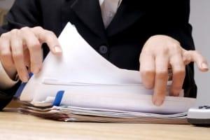 Vor Ort in Papierform elektronisch oder online: Die Akteneinsicht kann auf verschiedene Arten erfolgen.