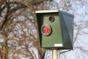 Machen Sie sich strafbar, wenn Sie anstatt einer echten Radarfalle eine Attrappe aufstellen?