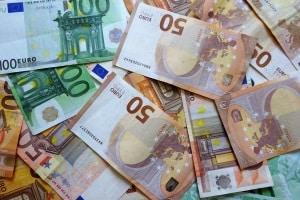 Der Bußgeldrechner berücksichtigt die Anhebung der Verwarngeld-Obergrenze von 40 auf 60 Euro.