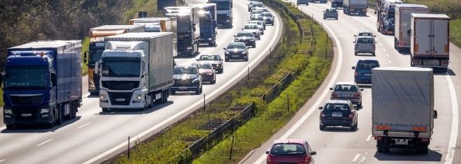 Neben dem Bußgeld drohen bei manchen Autobahn-Delikten auch Punkte
