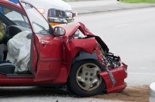Überschreitungen der Promillegrenze haben oft schwere Unfälle zur Folge.