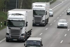 Beim Sicherheitsabstand für LKW, die über 7 Meter lang sind, gelten spezielle Vorschriften.