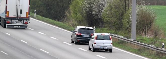 Draengler auf der Autobahn sind eine Gefahr für alle Verkehrsteilnehmer.