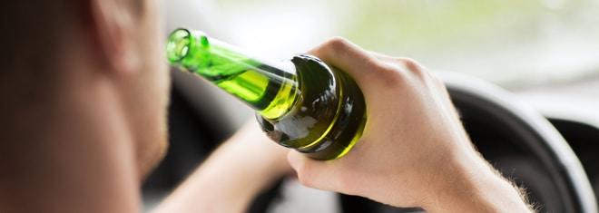 Alkohol am Steuer unter 21 Jahren: Ist das gestattet?