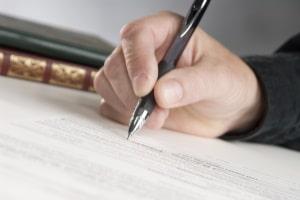 Sie müssen den Anhörungsbogen nicht ausfüllen, aber falsche Angaben zu Ihrer Person korrigieren.