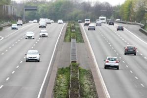 In der Probezeit können zusätzliche Maßnahmen drohen, wenn Sie auf der Autobahn geblitzt wurden.