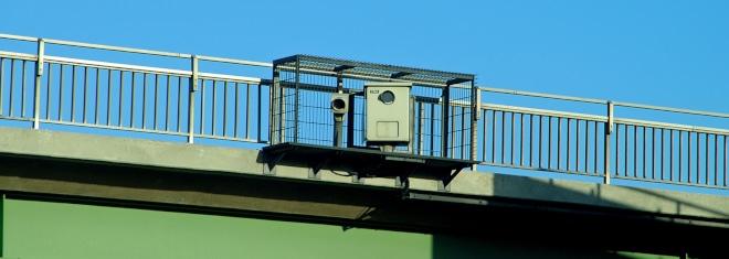 Blitzer zur Brückenabstandsmessung können auch fehlerhaft messen.