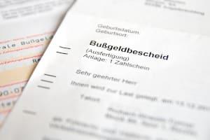 Bei einem Bußgeldbescheid ist der Inhalt gesetzlich vorgeschrieben.