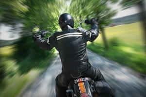 Der Bußgeldkatalog sieht für Motorrad-Fahrer harte Sanktionen vor, wenn diese gegen die Promillegrenze verstoßen.
