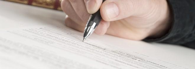 Sind falsche Angaben im Anhörungsbogen strafbar?