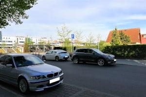 Wenn Sie falschrum parken, gefährden Sie womöglich die Verkehrssicherheit.