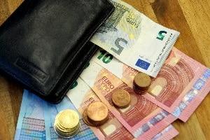 Sie haben Ihren Führerschein verloren? Die Kosten für ein neues Dokument können variieren.
