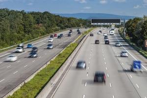 Geblitzt auf der Autobahn: Die Kosten richten sich nach den gefahrenen km/h.