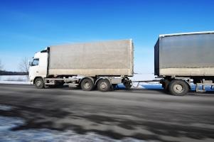 Lkw-Bußgeldkatalog: Es gibt auch besondere Verkehrsregeln für Lkw-Fahrer.