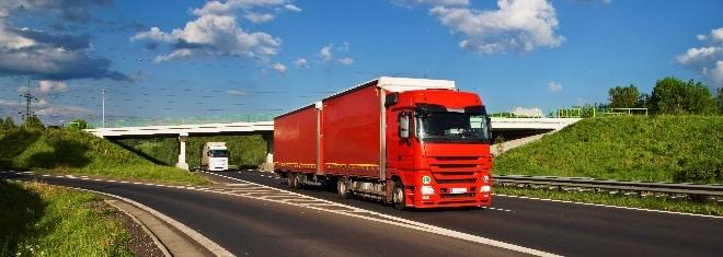Lkw-Fahrer müssen ihren Lkw-Führerschein regelmäßig verlängern lassen.