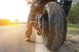Verstoßen Sie gegen die Verkehrsregeln mit dem Motorrad, sieht der Bußgeldkatalog Sanktionen vor.