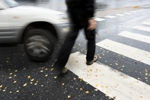 Halten Sie sich nicht an die Schrittgeschwindigkeit, kann ein Unfall die Konsequenz sein.