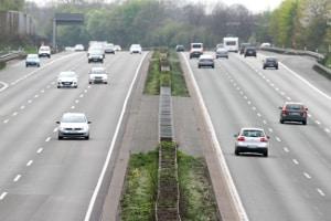 Der Toleranzabzug auf der Autobahn kann unter Umständen höher sein.